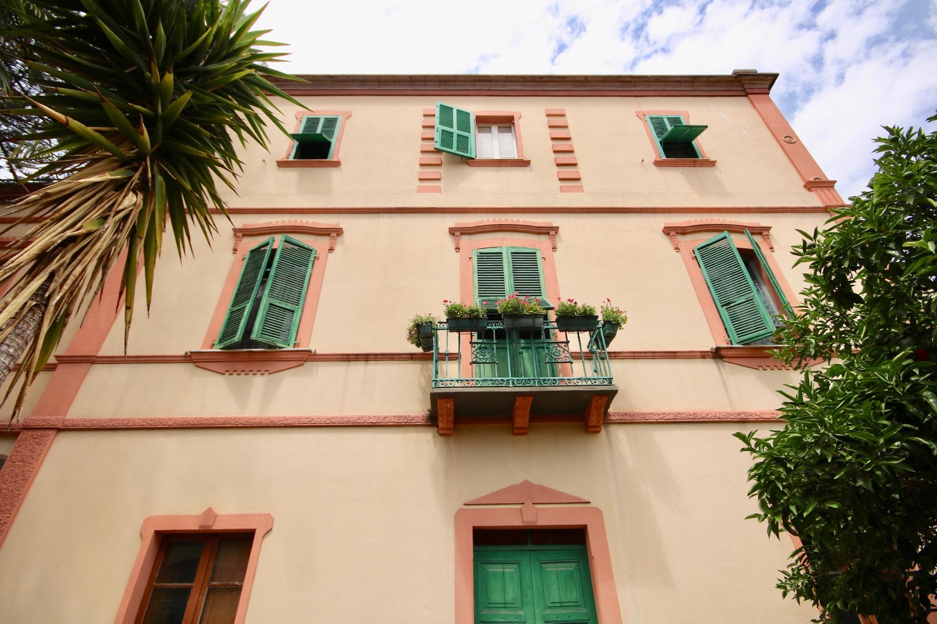 Villa in vendita a Bosa, 13 locali, prezzo € 550.000   CambioCasa.it