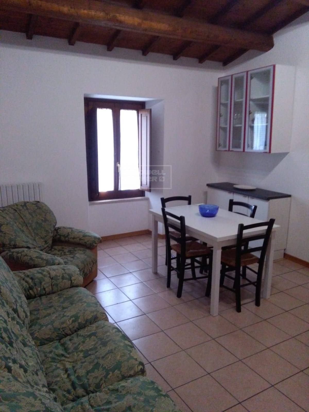 Appartamento in affitto a Vallo di Nera, 4 locali, zona Zona: Meggiano, prezzo € 250   CambioCasa.it