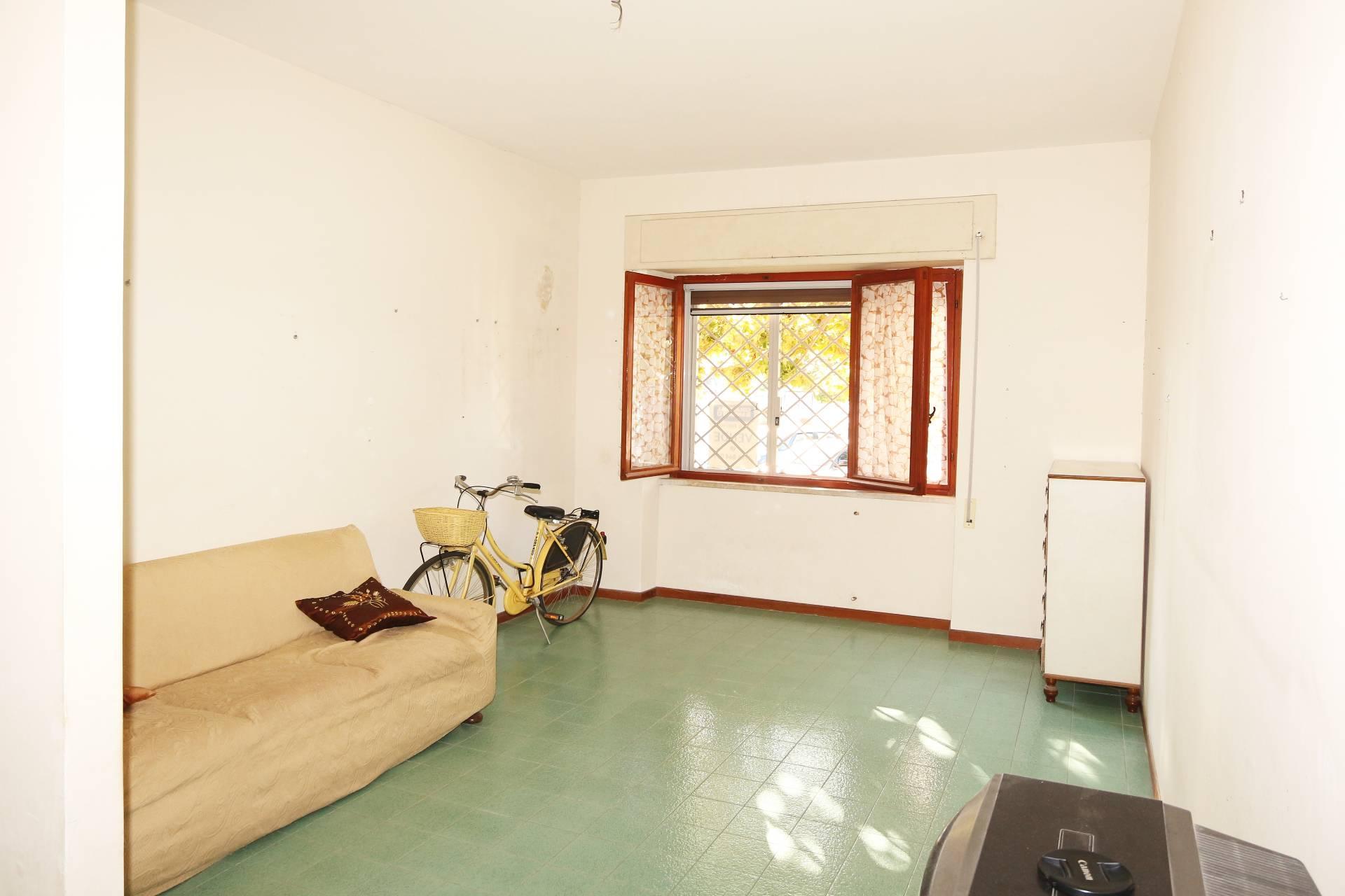Appartamento in vendita a Tarquinia, 3 locali, zona Località: LidodiTarquinia, prezzo € 85.000 | CambioCasa.it