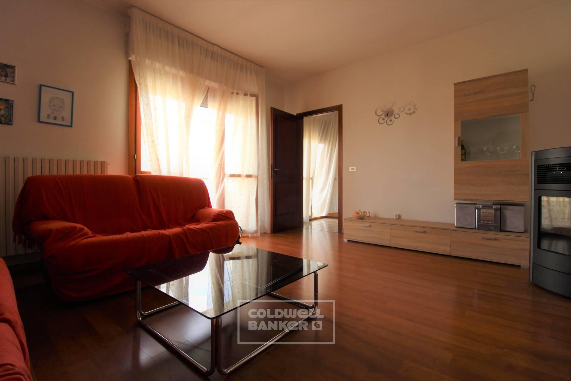 Appartamento in vendita a Salice Salentino, 4 locali, prezzo € 35.000 | CambioCasa.it