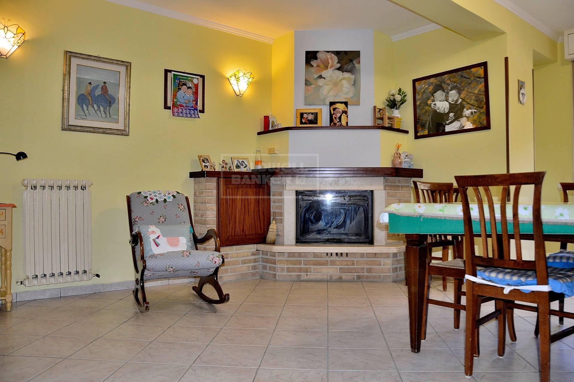 Appartamento in vendita a Cerreto di Spoleto, 4 locali, zona Località: BorgoCerreto, prezzo € 82.000 | CambioCasa.it