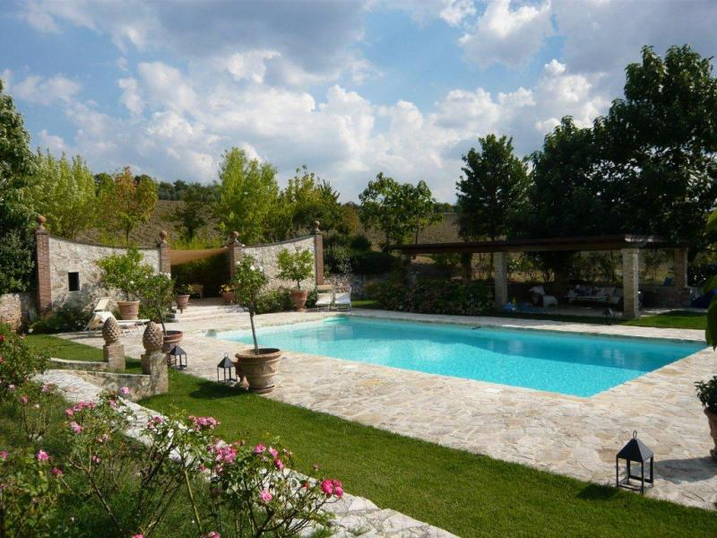 Villa in vendita a Avigliano Umbro, 16 locali, zona Zona: Sismano, prezzo € 2.700.000 | CambioCasa.it