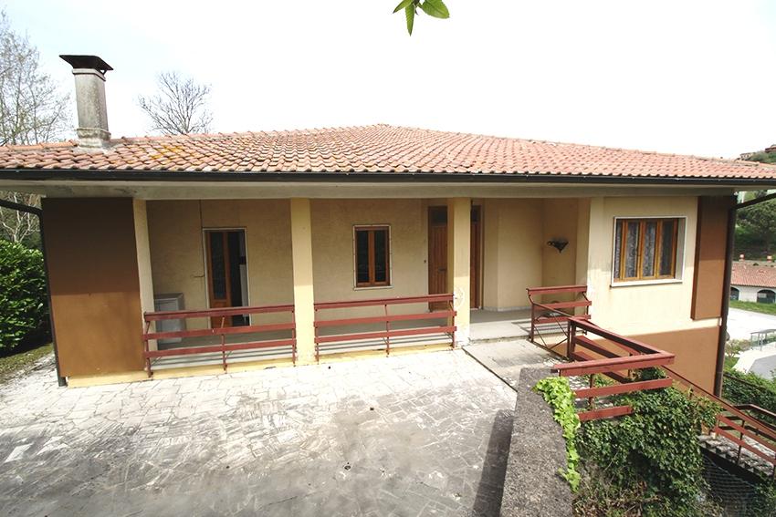 Villa in vendita a Latera, 7 locali, zona Località: CantonieradiLatera, prezzo € 170.000 | CambioCasa.it