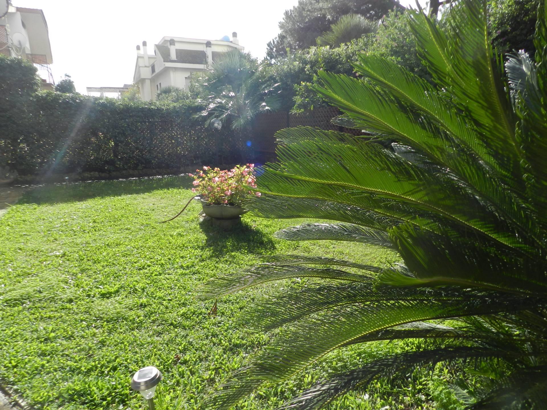 Appartamento in vendita a Santa Marinella, 3 locali, zona Località: Capolinaro, prezzo € 370.000 | CambioCasa.it