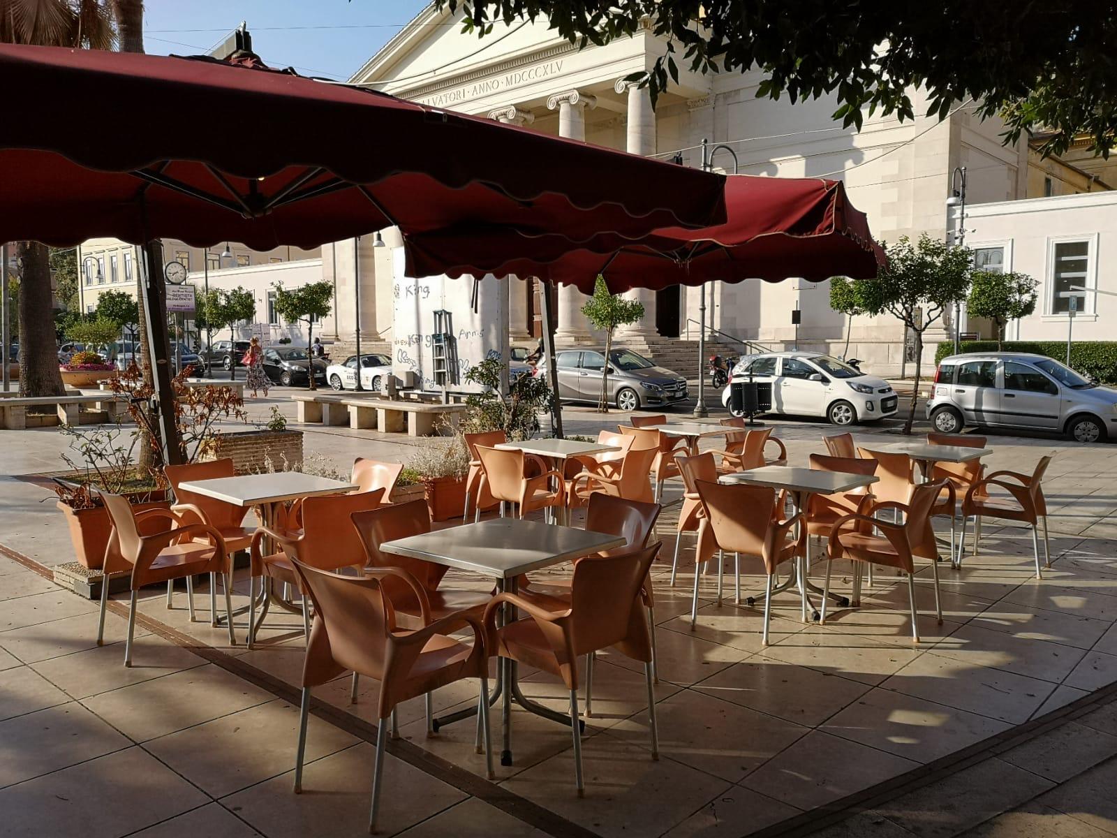 Bar in affitto a Terracina, 9999 locali, zona Località: centro, Trattative riservate | CambioCasa.it