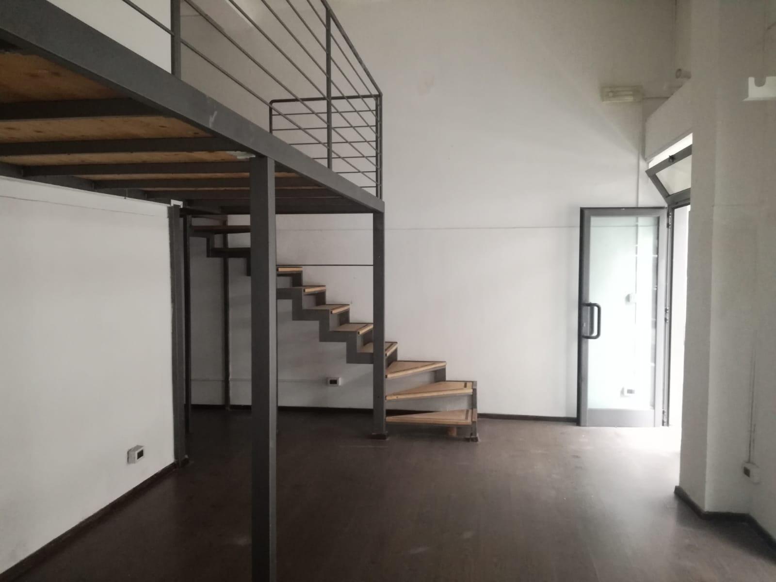 FONDO COMMERCIALE in Vendita a Centro, Pescara (PESCARA)