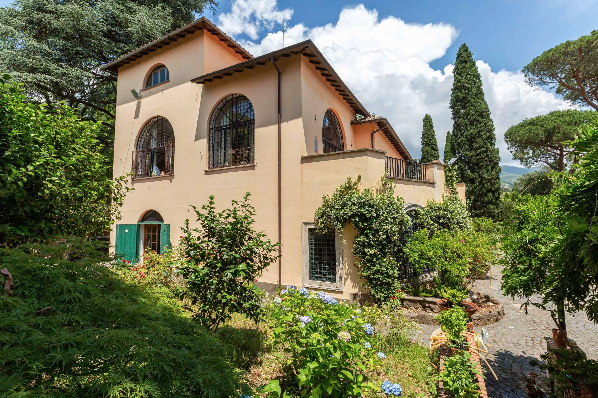 Villa in vendita a Velletri, 8 locali, prezzo € 1.480.000   CambioCasa.it