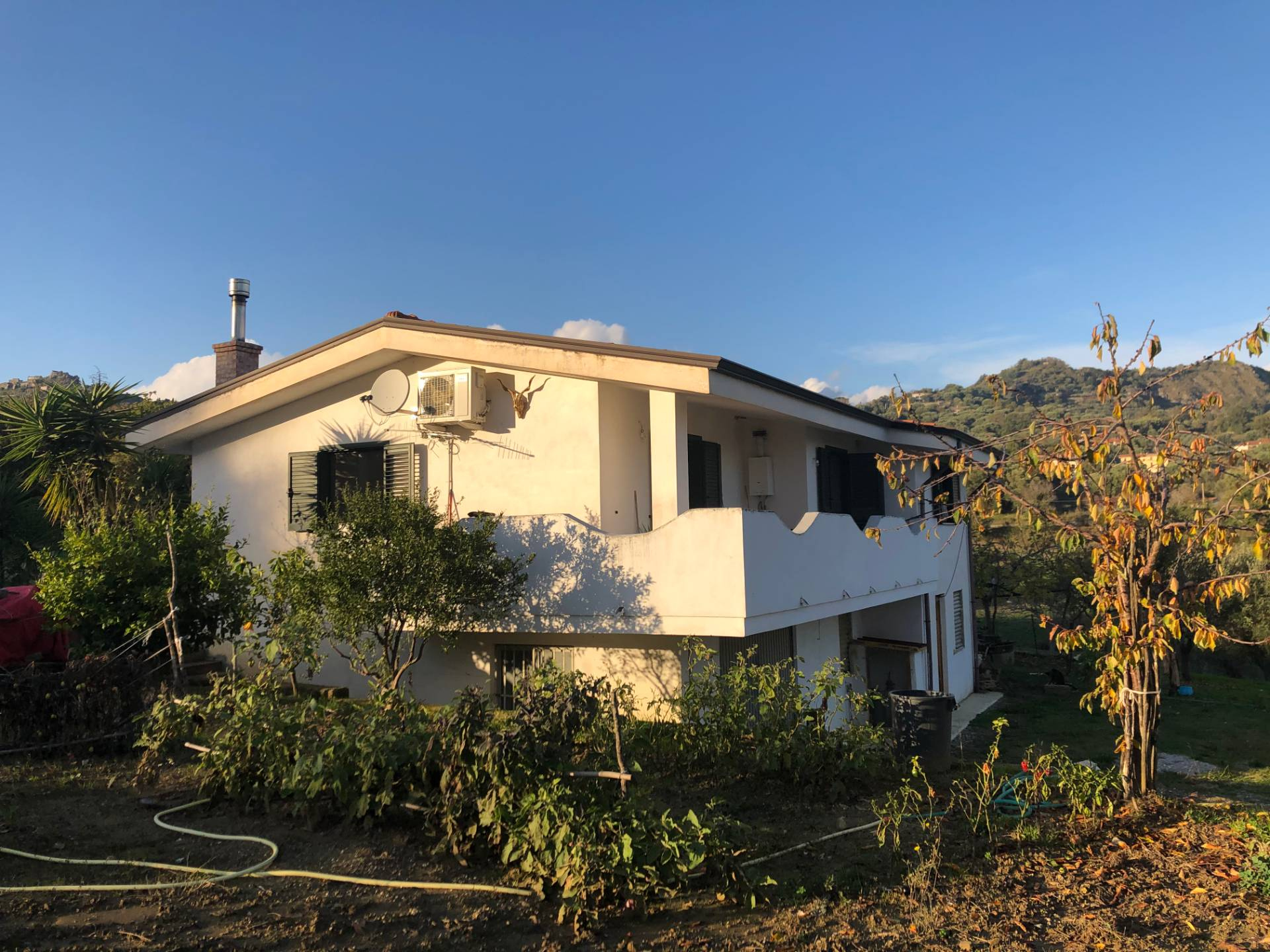 Soluzione Indipendente in vendita a Roccagloriosa, 6 locali, prezzo € 158.000 | CambioCasa.it