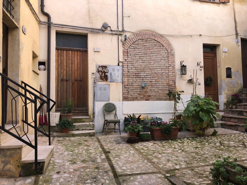 Appartamento in vendita a Amelia, 3 locali, prezzo € 120.000 | CambioCasa.it