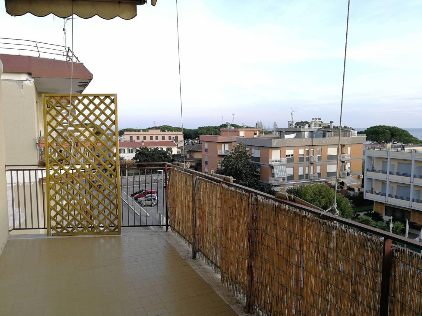 Appartamento in vendita a Terracina, 4 locali, zona Località: centro, Trattative riservate | CambioCasa.it