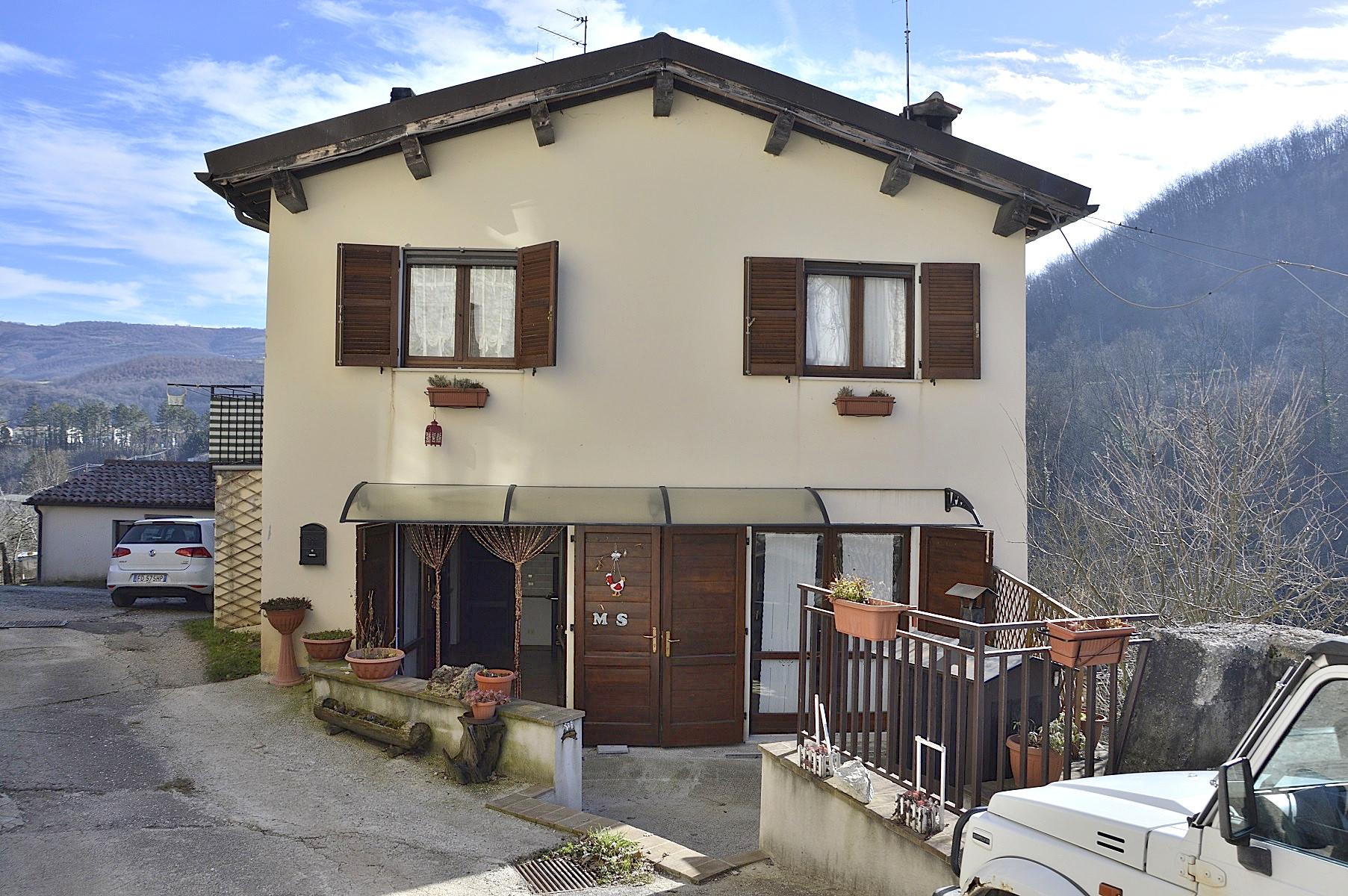 Soluzione Semindipendente in vendita a Sellano, 6 locali, zona Località: Sellano, prezzo € 53.000 | CambioCasa.it