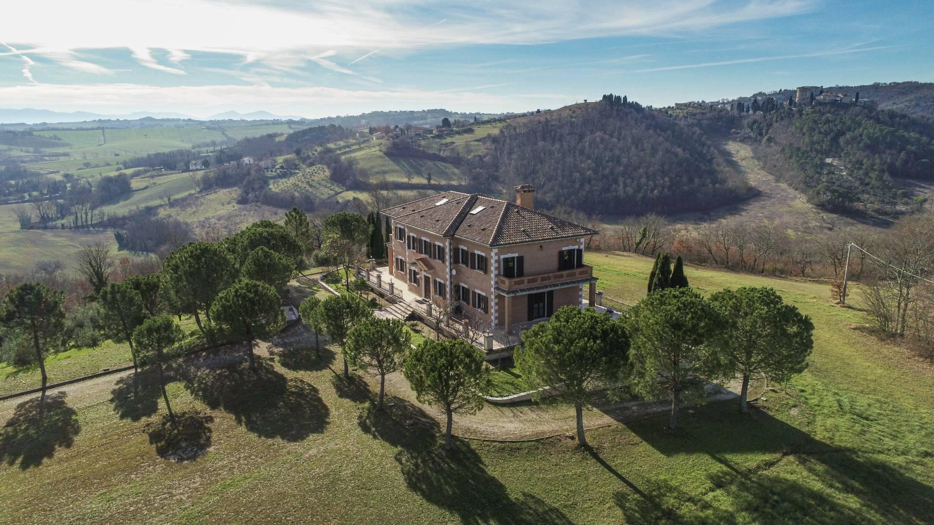 Villa in vendita a Avigliano Umbro, 20 locali, zona Zona: Sismano, prezzo € 3.200.000 | CambioCasa.it