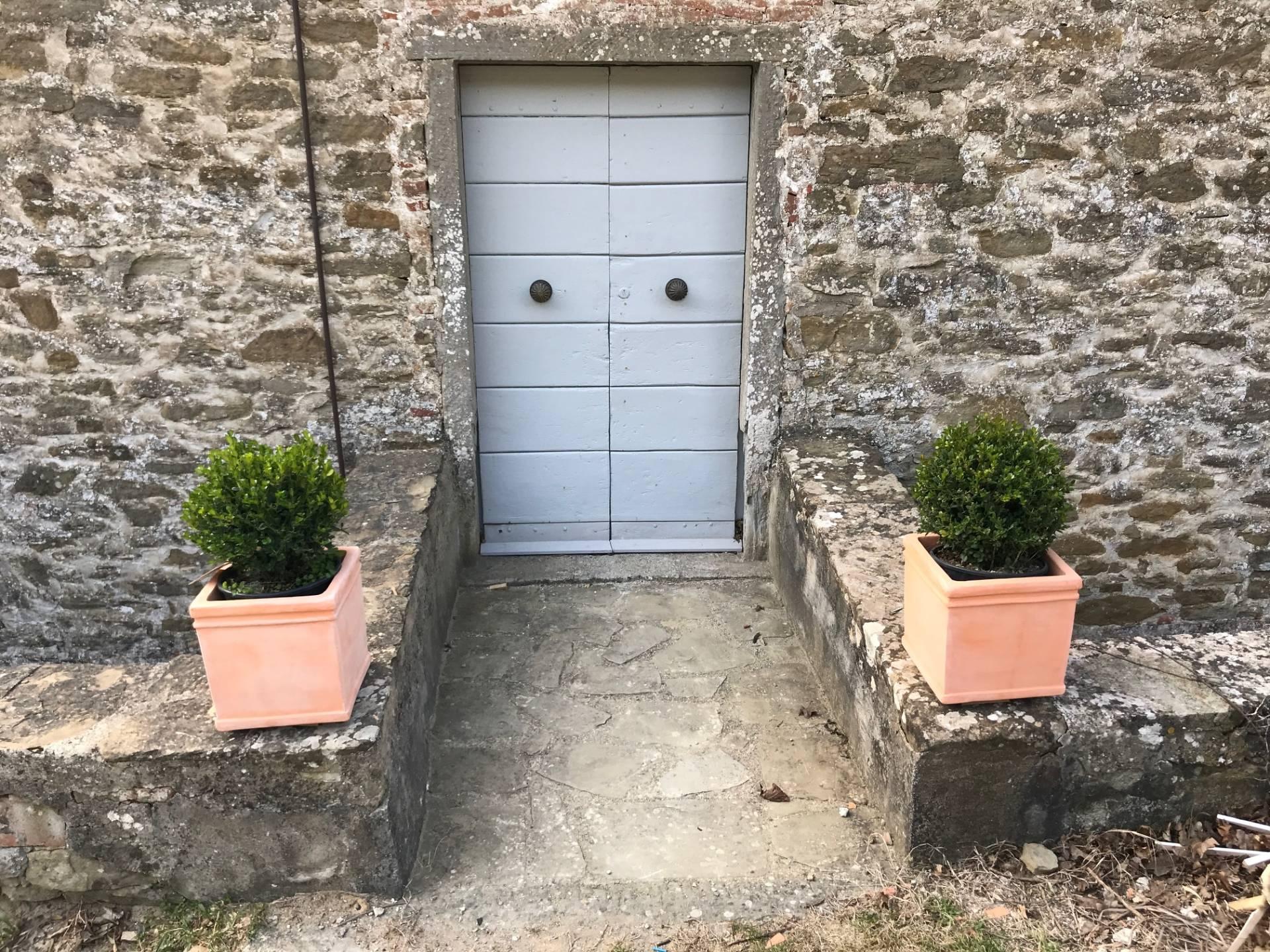 Appartamento in vendita a Anghiari, 11 locali, zona Zona: Scheggia, prezzo € 470.000 | CambioCasa.it