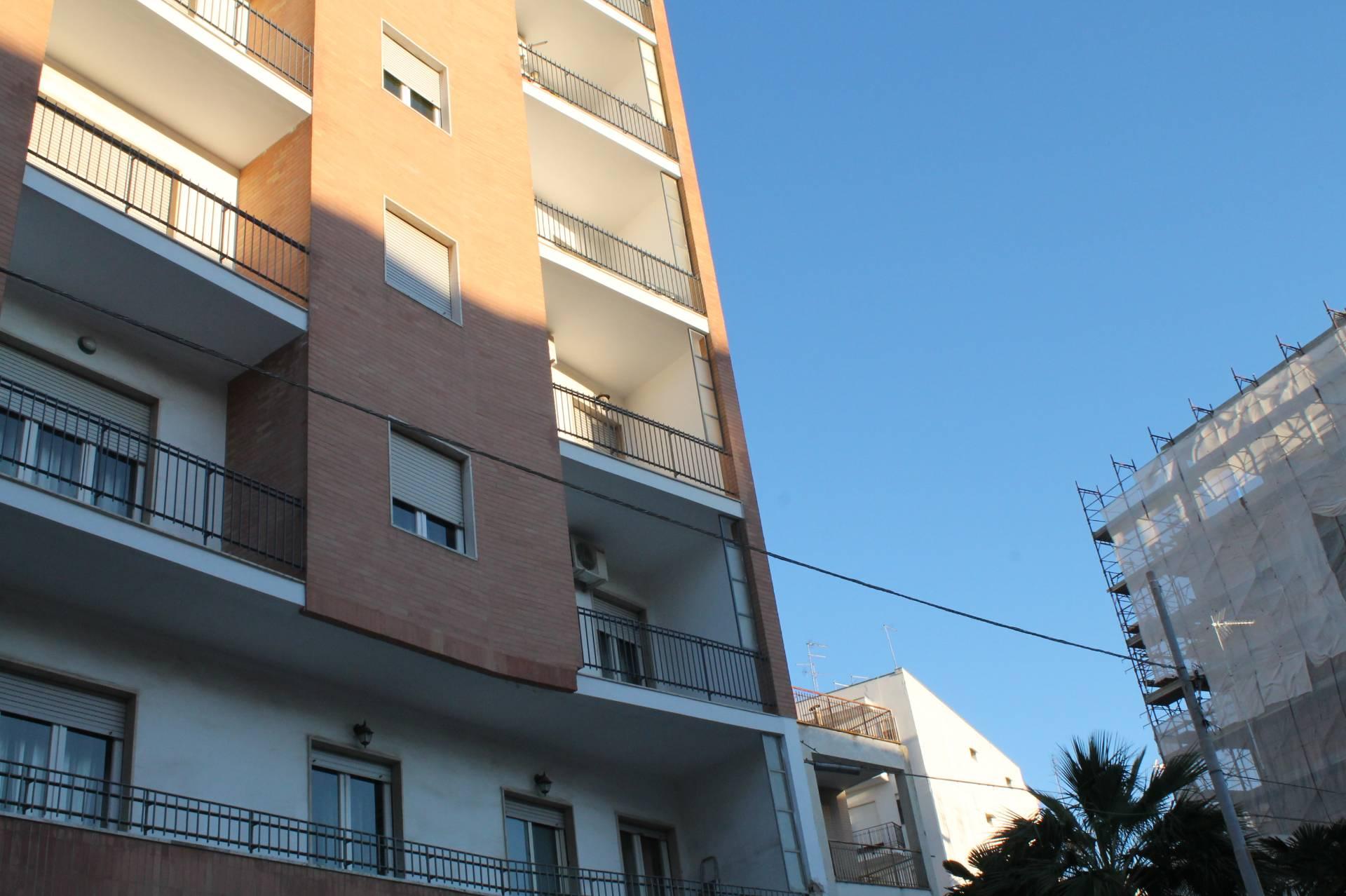 Appartamento in vendita a Lecce, 7 locali, zona Zona: Leuca, prezzo € 128.000   CambioCasa.it