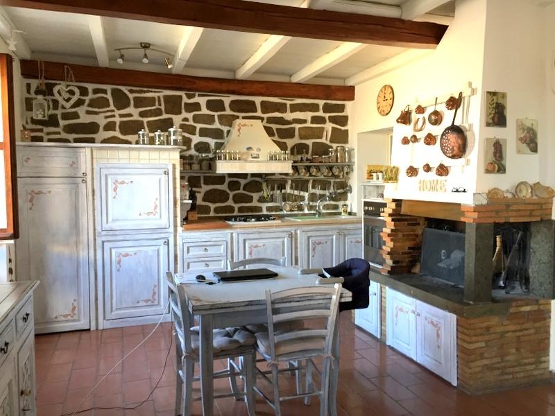 Appartamento in vendita a Viterbo, 3 locali, zona Zona: Centro, prezzo € 80.000 | CambioCasa.it
