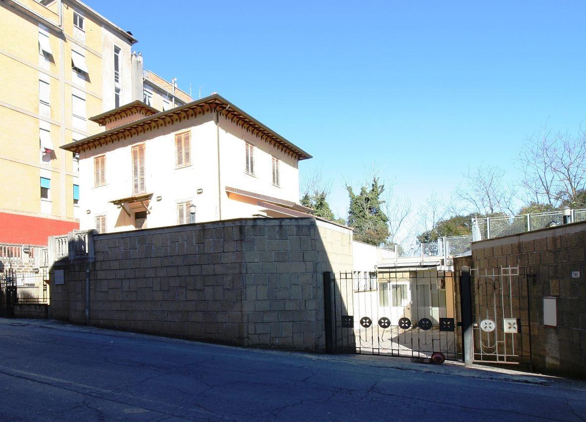 Ufficio / Studio in vendita a Ronciglione, 9999 locali, zona Località: semicentro, prezzo € 310.000 | CambioCasa.it