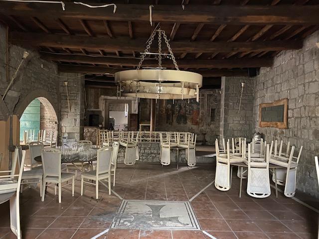 FONDO COMMERCIALE in Vendita a Centro, Viterbo (VITERBO)
