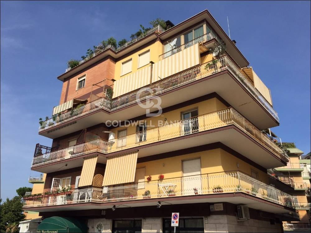 Appartamento in affitto a Pomezia, 3 locali, zona Località: Centro, prezzo € 865   PortaleAgenzieImmobiliari.it