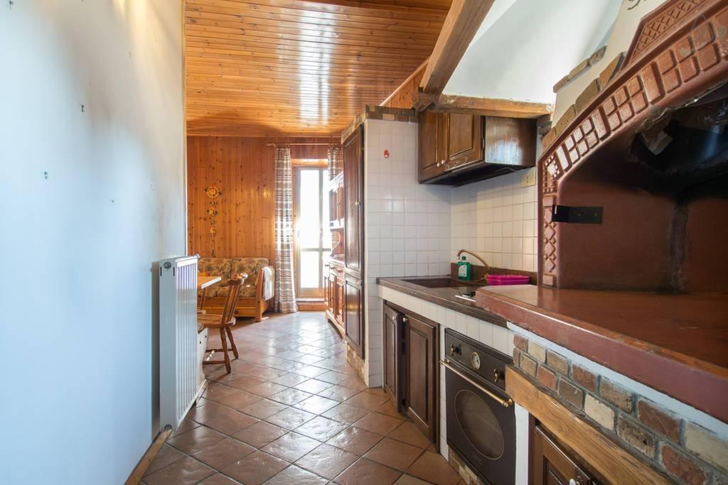 Appartamento in vendita a Ronciglione, 2 locali, zona Località: centrale, prezzo € 35.000 | CambioCasa.it