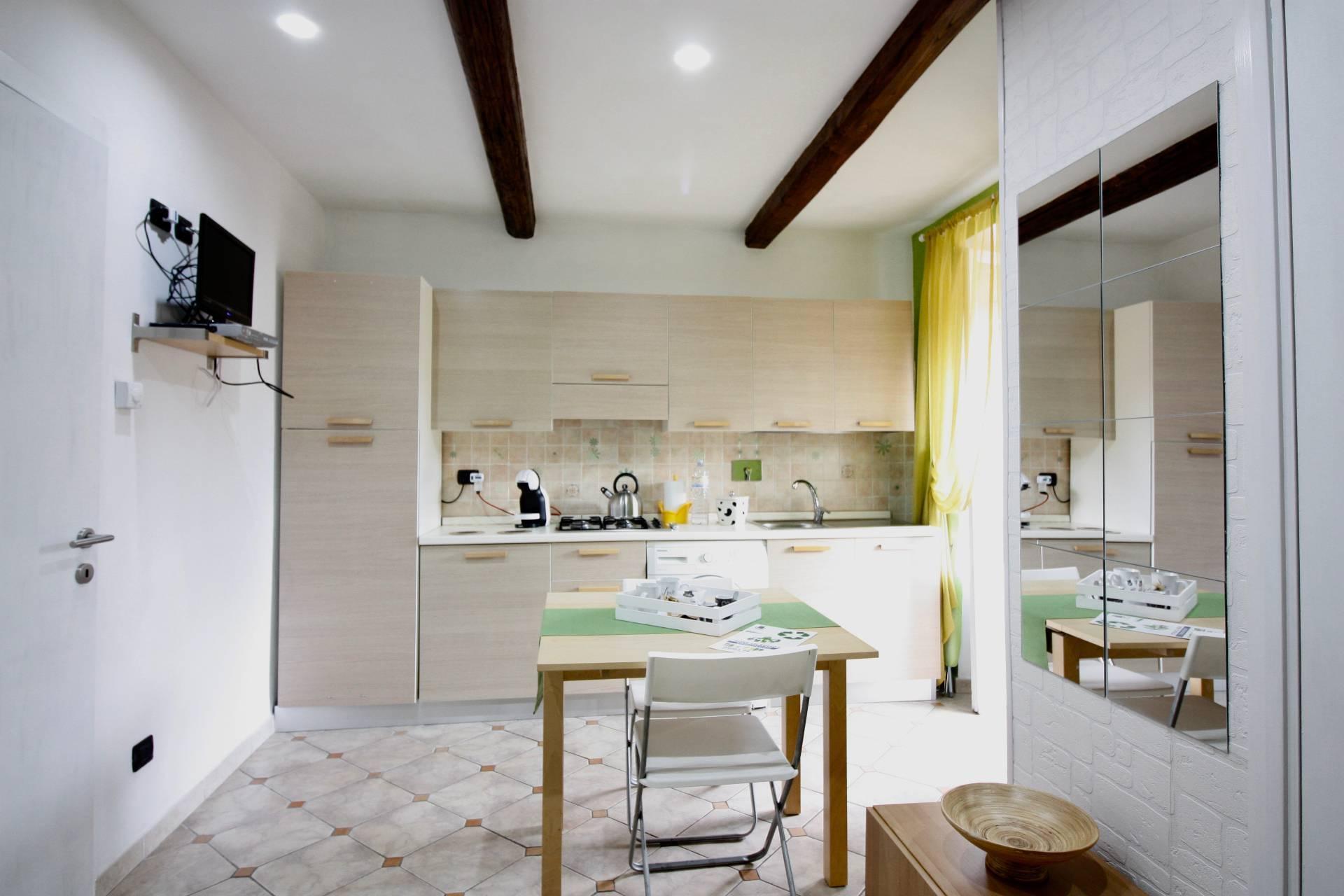 Appartamento in vendita a Ronciglione, 2 locali, zona Località: centrale, prezzo € 55.000   CambioCasa.it