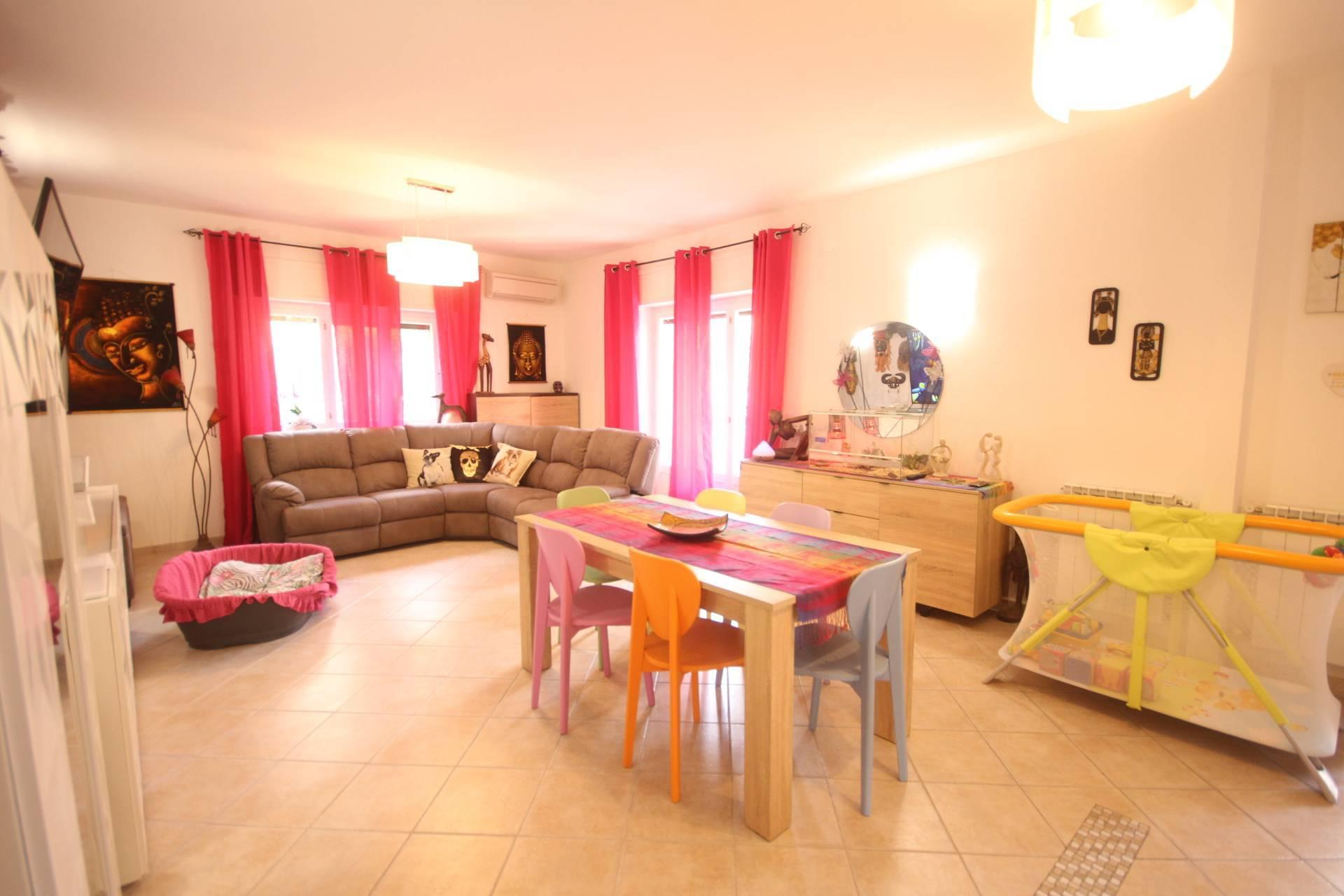 Appartamento in vendita a Orbetello, 6 locali, zona nia, prezzo € 260.000 | PortaleAgenzieImmobiliari.it
