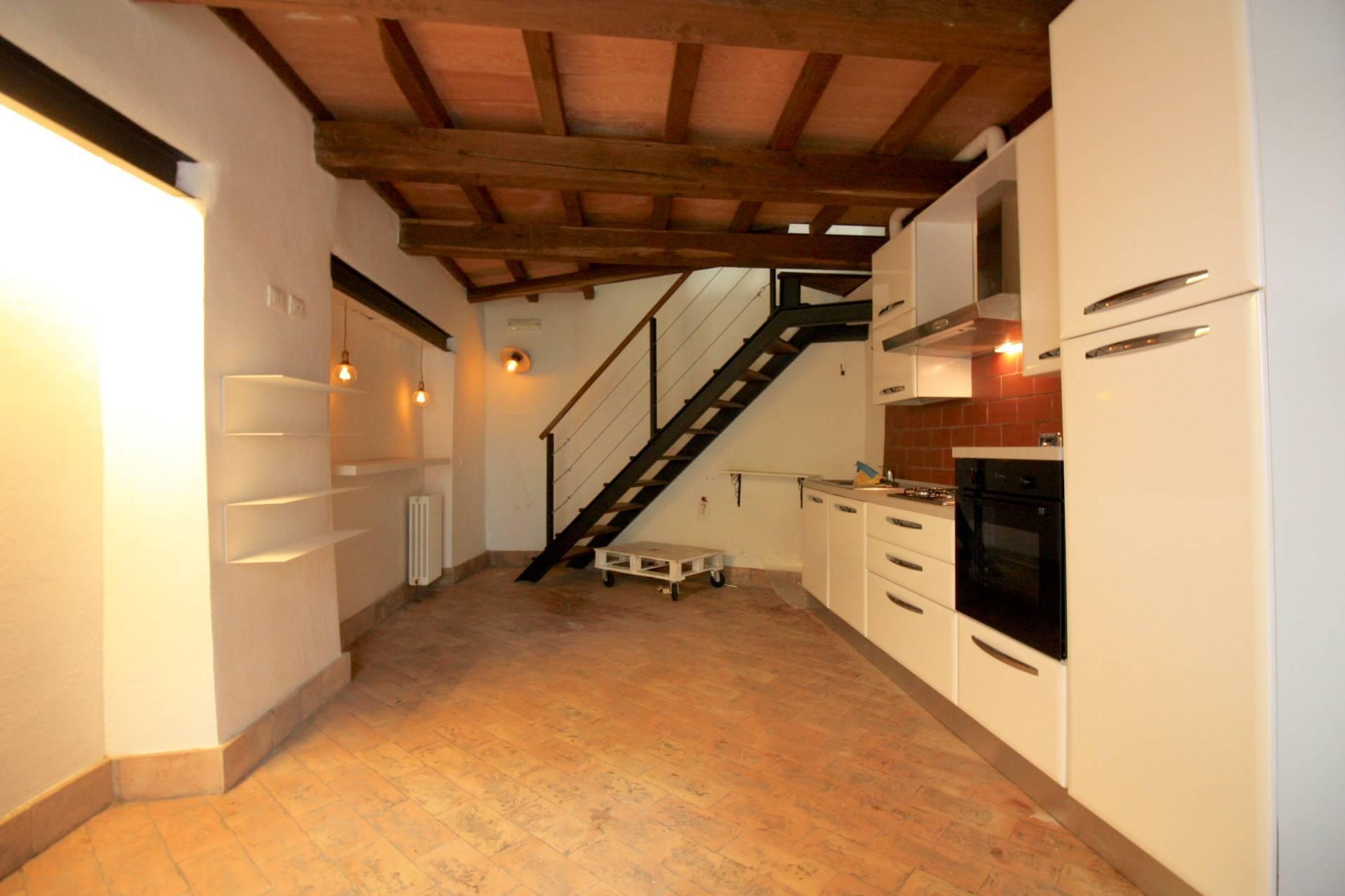 Appartamento in vendita a Capranica, 3 locali, prezzo € 55.000   CambioCasa.it