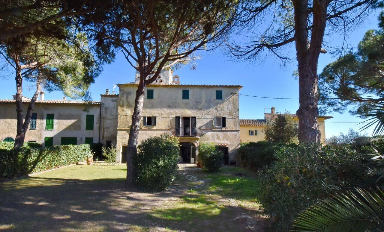 Appartamento in affitto a Orbetello, 8 locali, zona Zona: Albinia, prezzo € 10.000 | CambioCasa.it