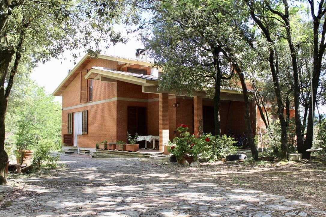 Soluzione Indipendente in vendita a Perugia, 15 locali, zona Località: FerrodiCavallo, prezzo € 380.000 | CambioCasa.it