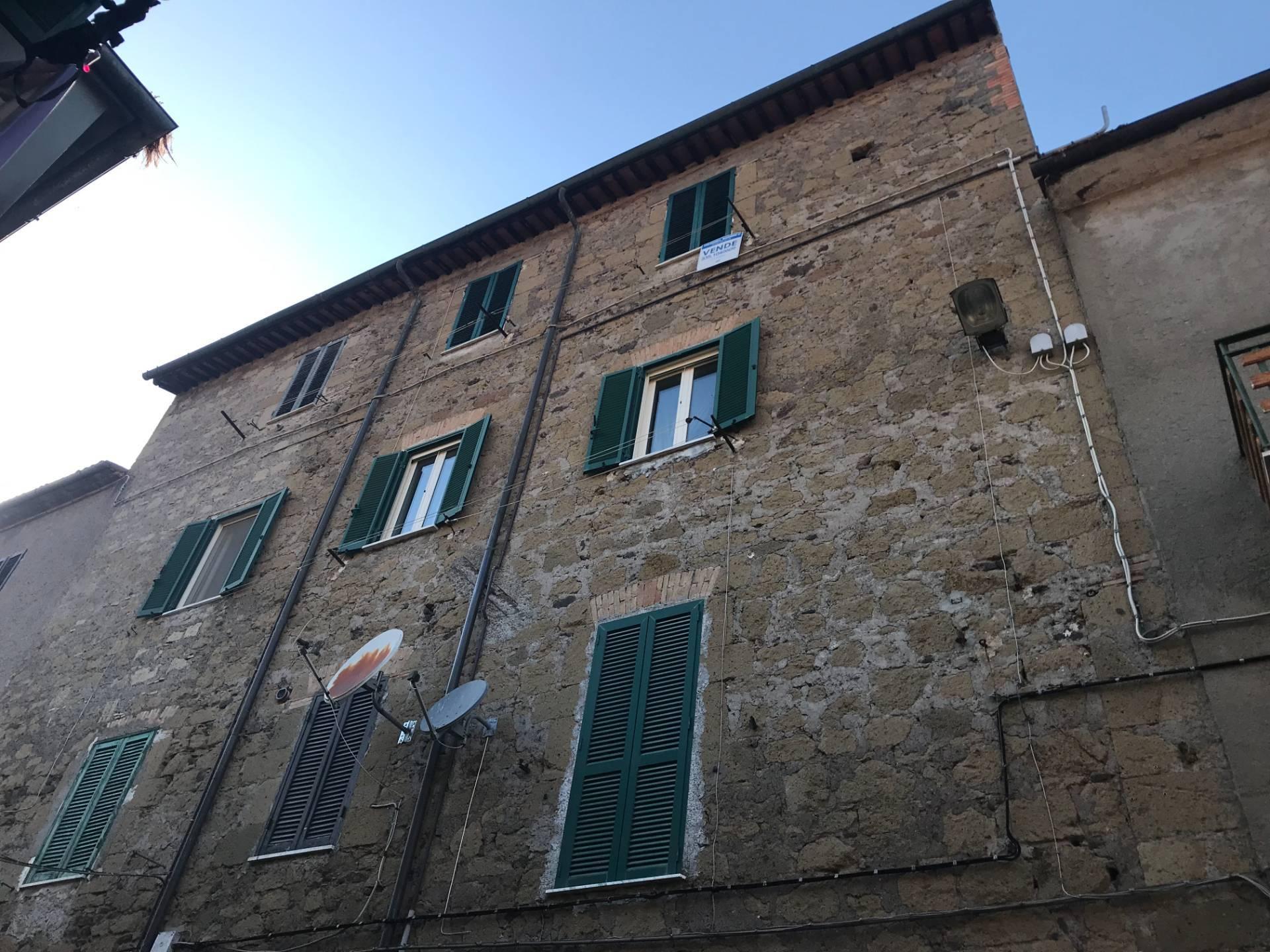 Appartamento in vendita a Gradoli, 3 locali, prezzo € 25.000 | CambioCasa.it