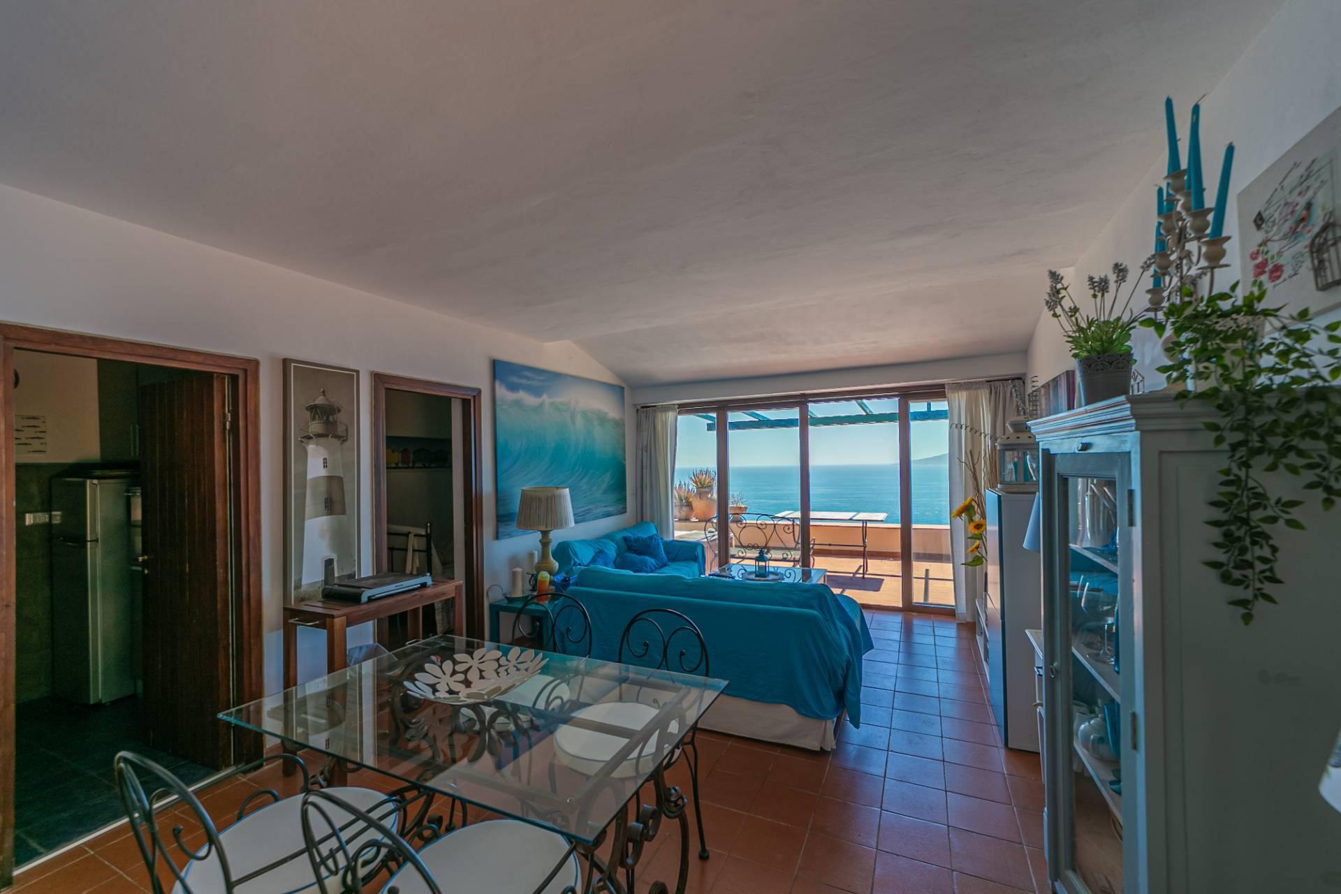 Appartamento in vendita a Monte Argentario, 4 locali, zona Località: CalaPiccola, prezzo € 595.000 | PortaleAgenzieImmobiliari.it