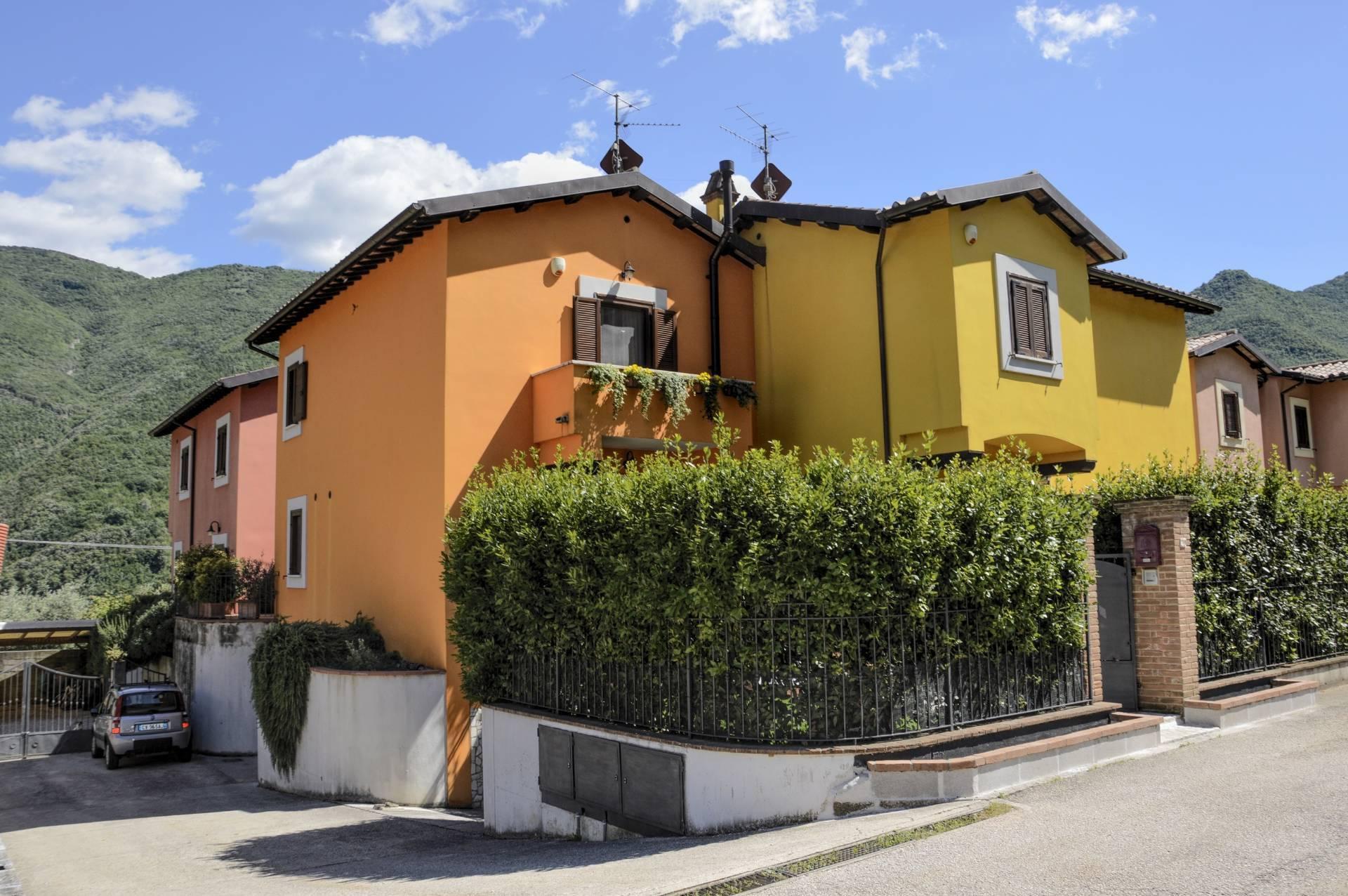 Villa a Schiera in vendita a Ferentillo, 5 locali, zona Zona: Macenano, prezzo € 210.000 | CambioCasa.it