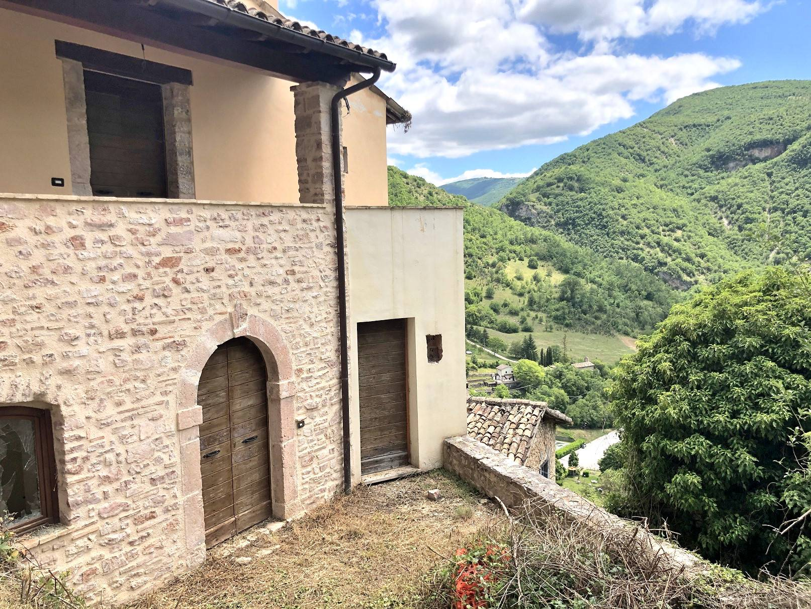 Appartamento in vendita a Norcia, 4 locali, zona Località: Biselli, prezzo € 35.000 | CambioCasa.it