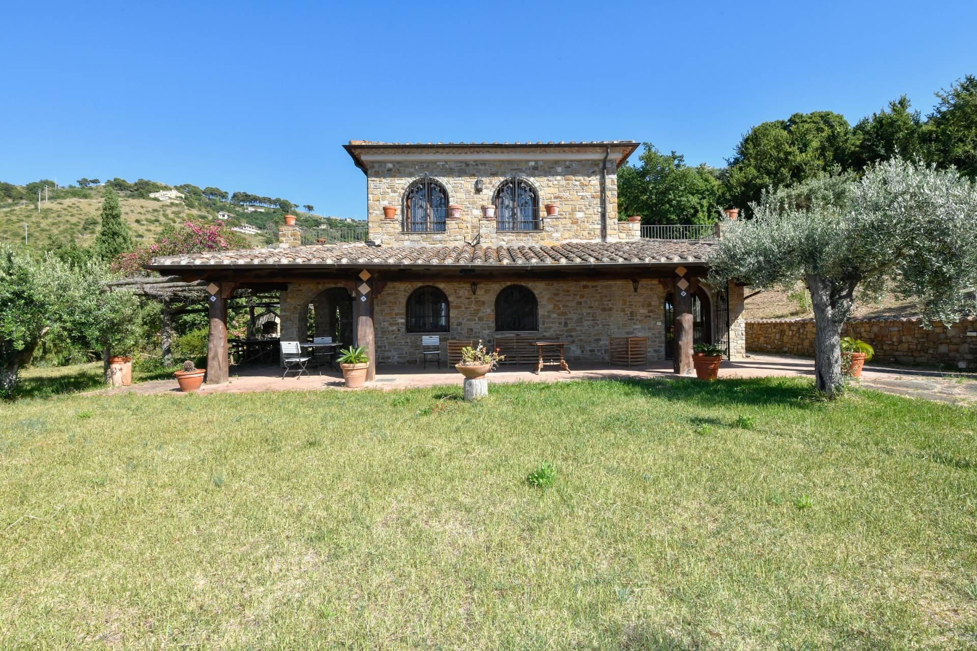 Villa in vendita a Castellabate, 7 locali, zona Località: S.aMaria, prezzo € 820.000   CambioCasa.it