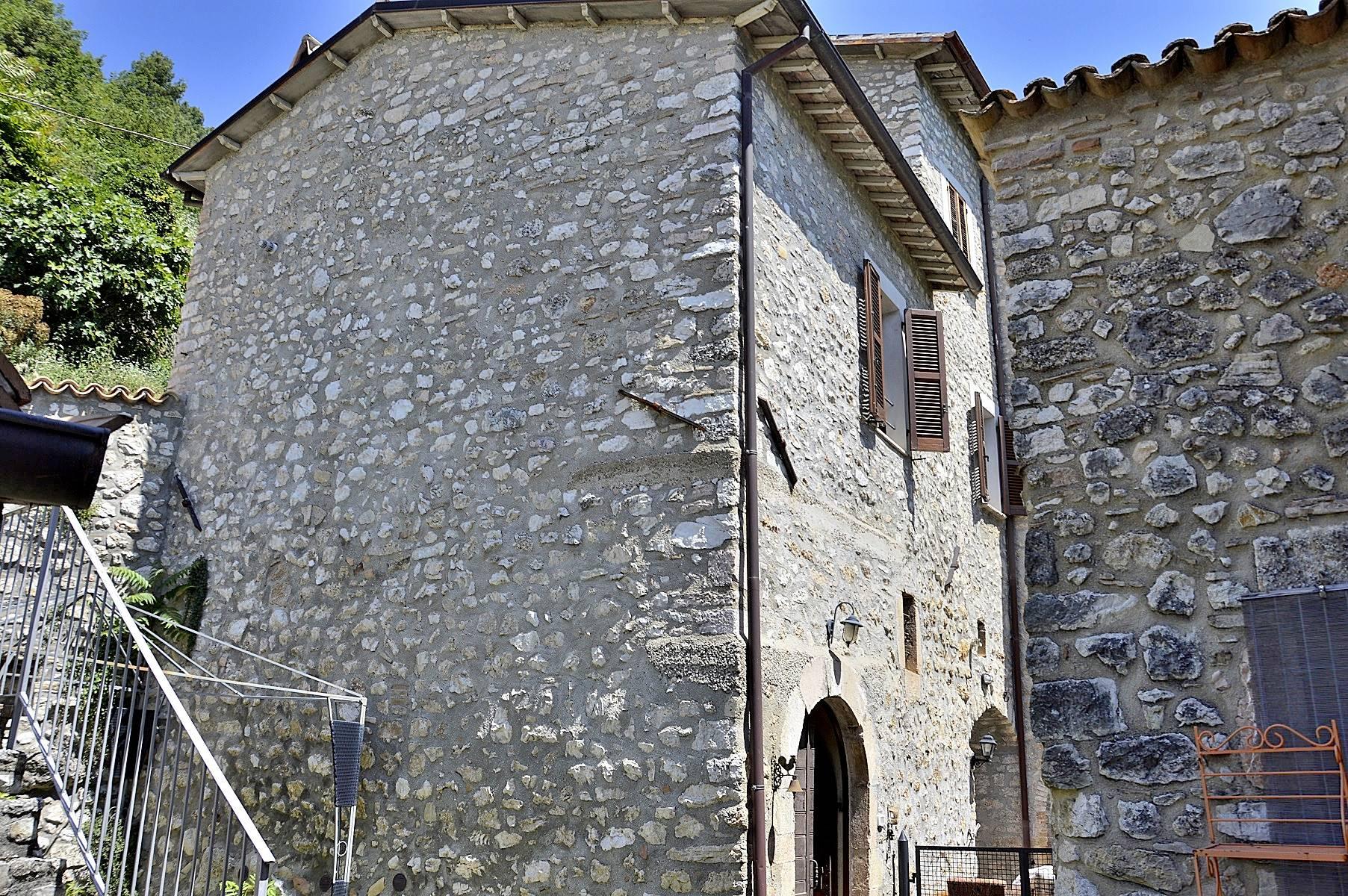 Soluzione Semindipendente in vendita a Sant'Anatolia di Narco, 3 locali, zona Zona: Grotti, prezzo € 69.000 | CambioCasa.it