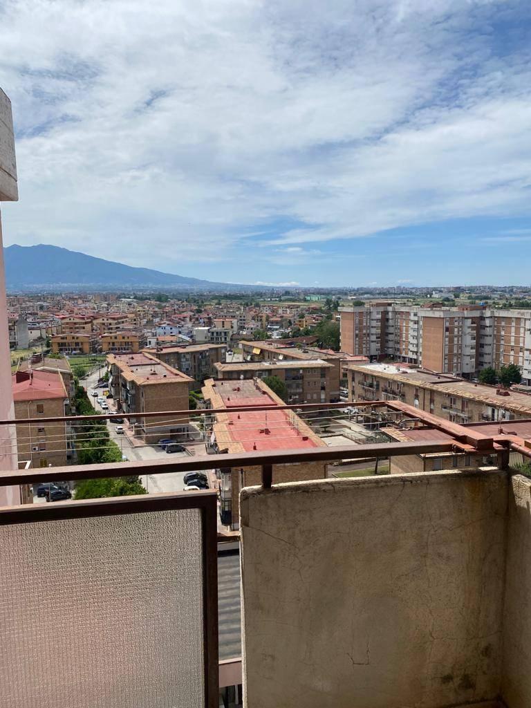Appartamento in vendita a Acerra, 4 locali, prezzo € 105.000 | CambioCasa.it