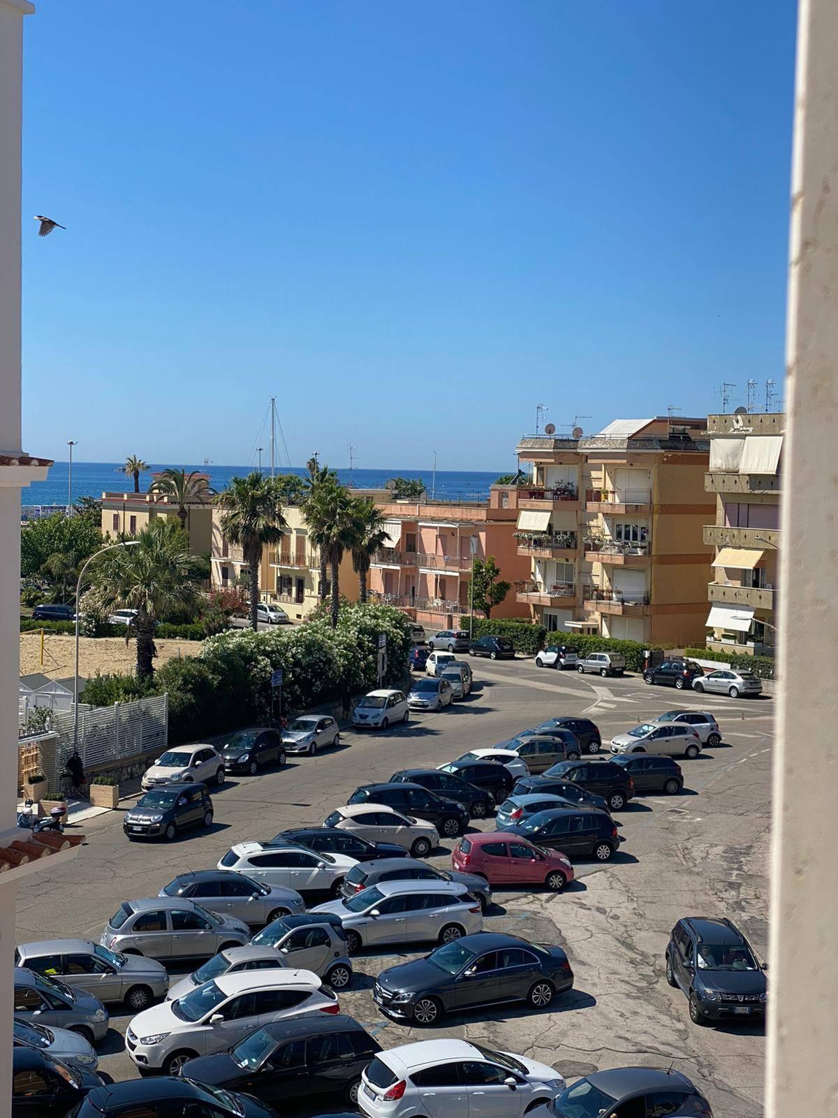 Appartamento in vendita a Terracina, 3 locali, zona Località: centro, prezzo € 210.000   CambioCasa.it