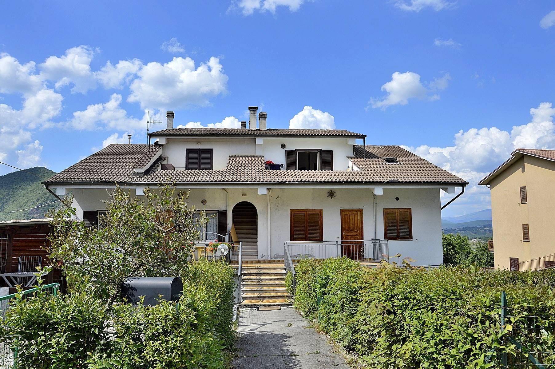 Appartamento in vendita a Cascia, 3 locali, zona Località: Ocosce, prezzo € 43.000 | CambioCasa.it