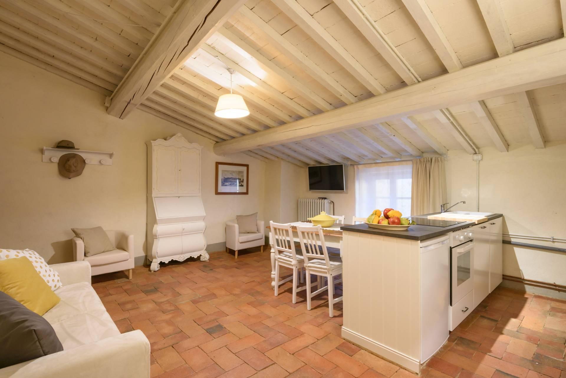 Appartamento in vendita a Anghiari, 2 locali, zona Zona: Scheggia, prezzo € 100.000   CambioCasa.it