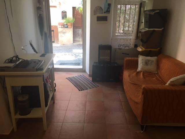 Appartamento in vendita a Civita Castellana, 3 locali, zona Località: CentroStorico, prezzo € 22.000 | CambioCasa.it