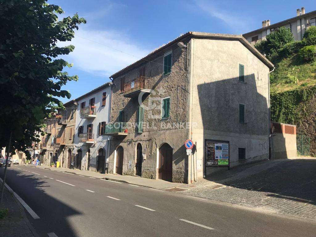 Appartamento in vendita a Gradoli, 5 locali, prezzo € 25.000   CambioCasa.it