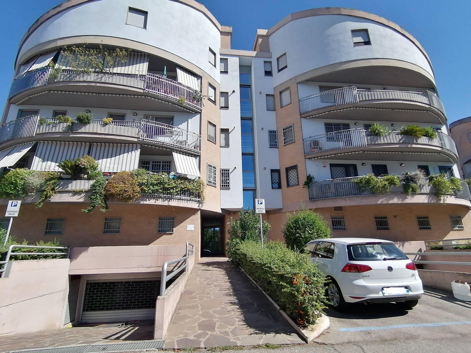 Appartamento in vendita a Civita Castellana, 5 locali, prezzo € 98.000 | CambioCasa.it