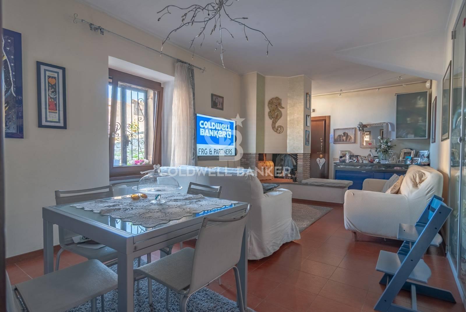 Appartamento in vendita a Viterbo, 3 locali, zona Zona: Centro, prezzo € 120.000 | CambioCasa.it