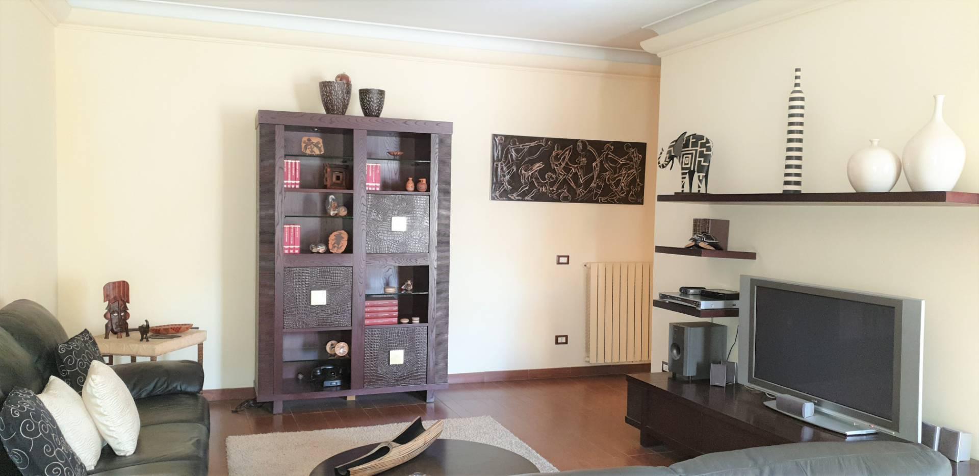 Appartamento in vendita a Viterbo, 5 locali, zona Zona: Centro, prezzo € 114.000 | CambioCasa.it