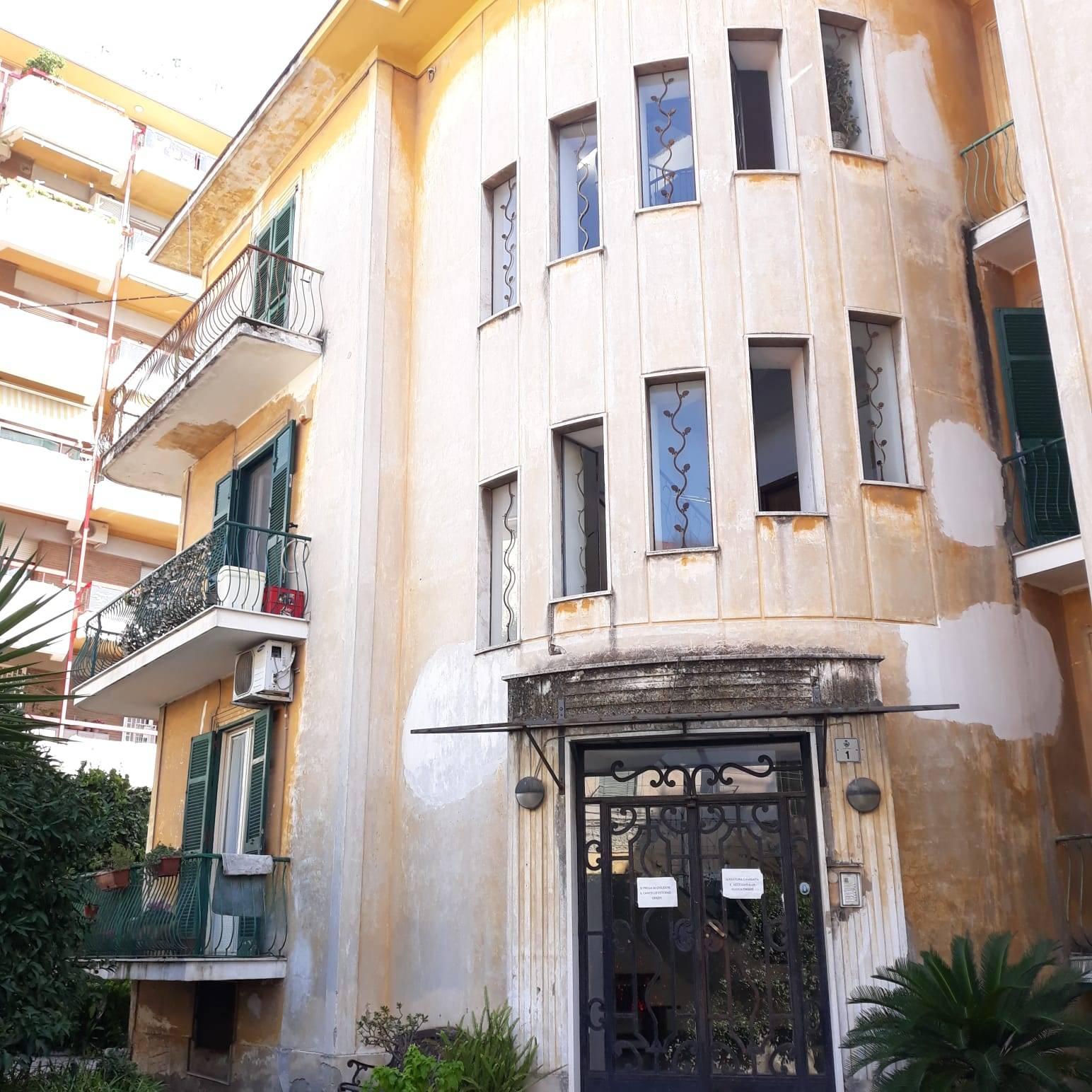 Appartamento in vendita a San Giorgio a Cremano, 3 locali, prezzo € 198.000   CambioCasa.it