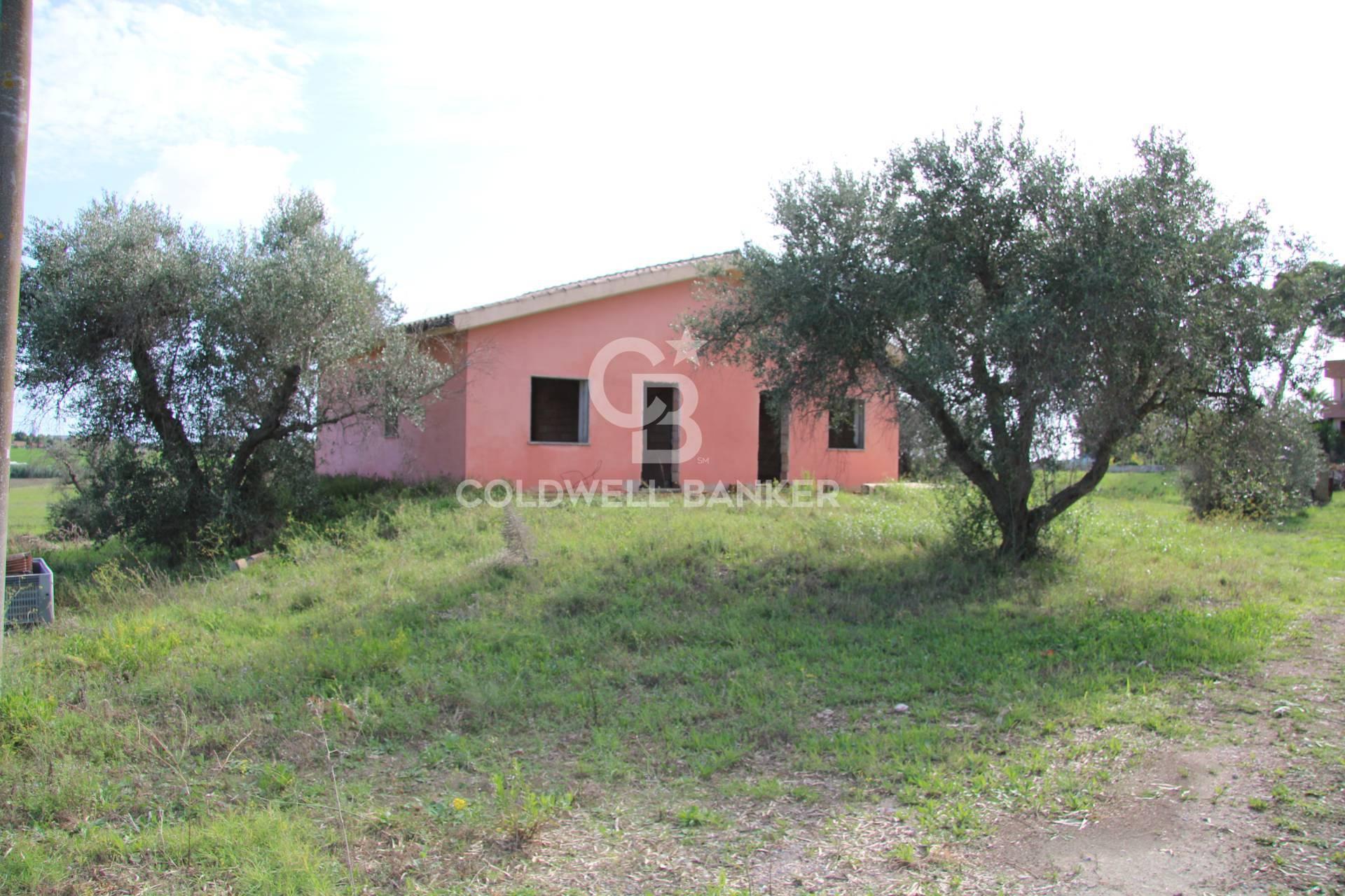 Rustico / Casale in vendita a Montalto di Castro, 15 locali, zona Località: PesciaRomana, prezzo € 380.000 | CambioCasa.it
