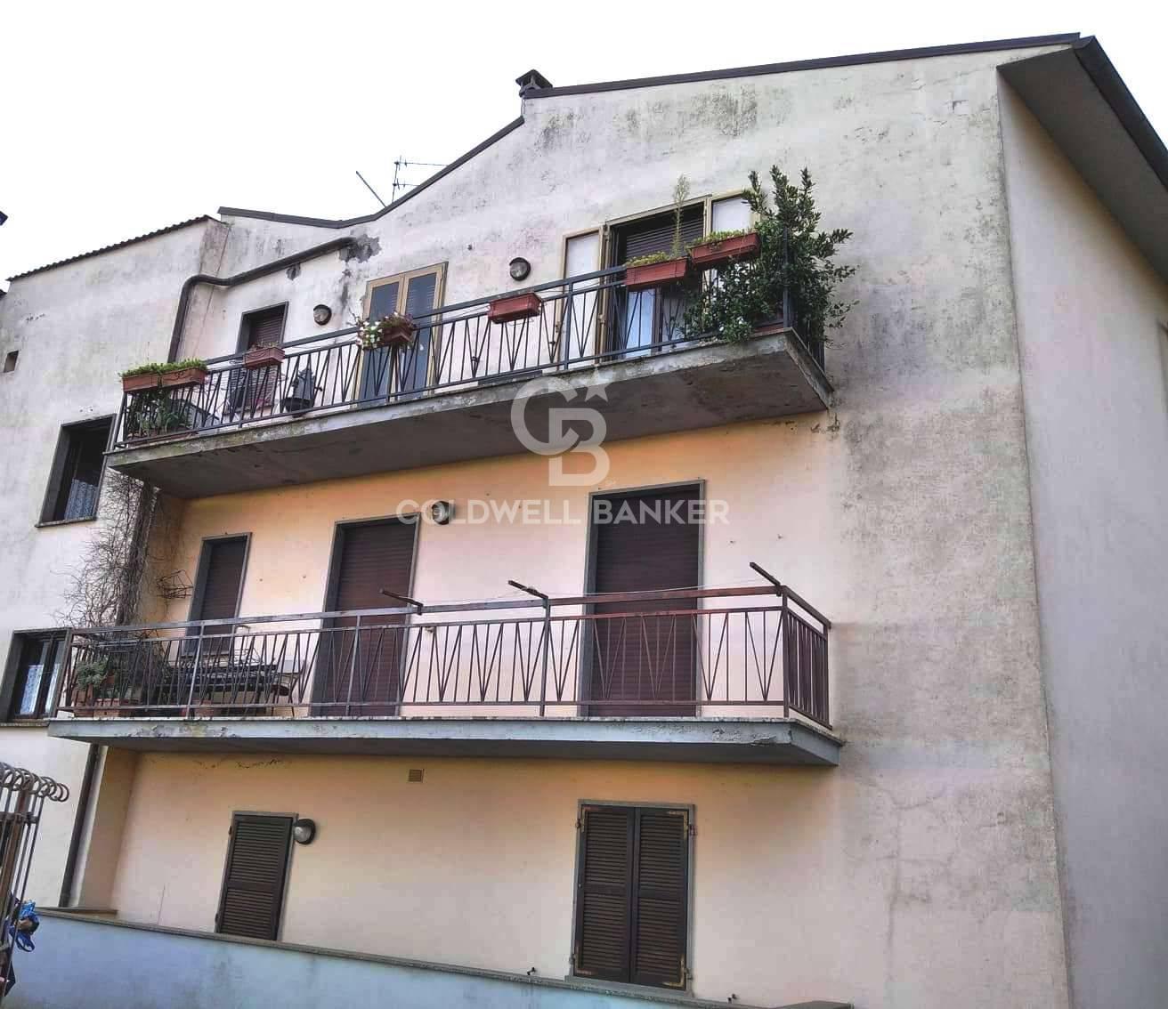 Appartamento in vendita a Grotte di Castro, 6 locali, prezzo € 72.000 | CambioCasa.it