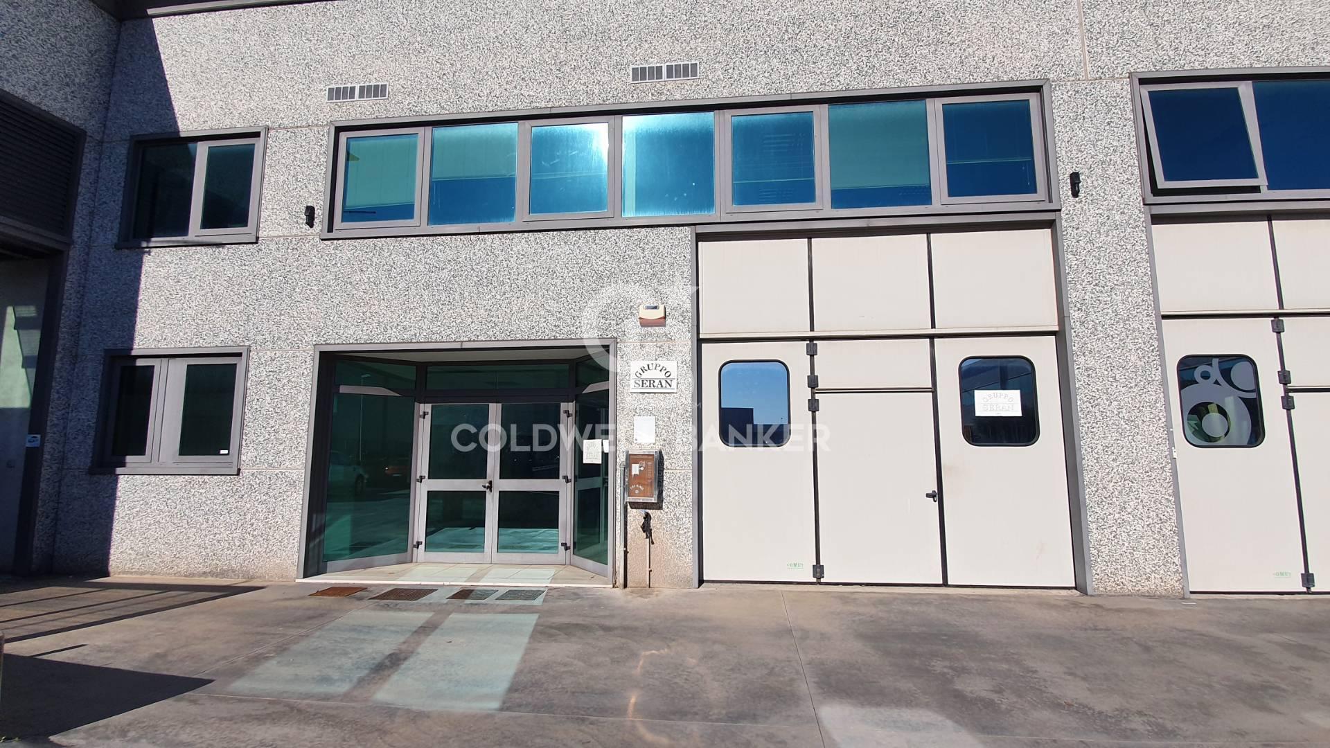Ufficio / Studio in affitto a Pomezia, 9999 locali, zona Località: Campobello, prezzo € 2.900   CambioCasa.it