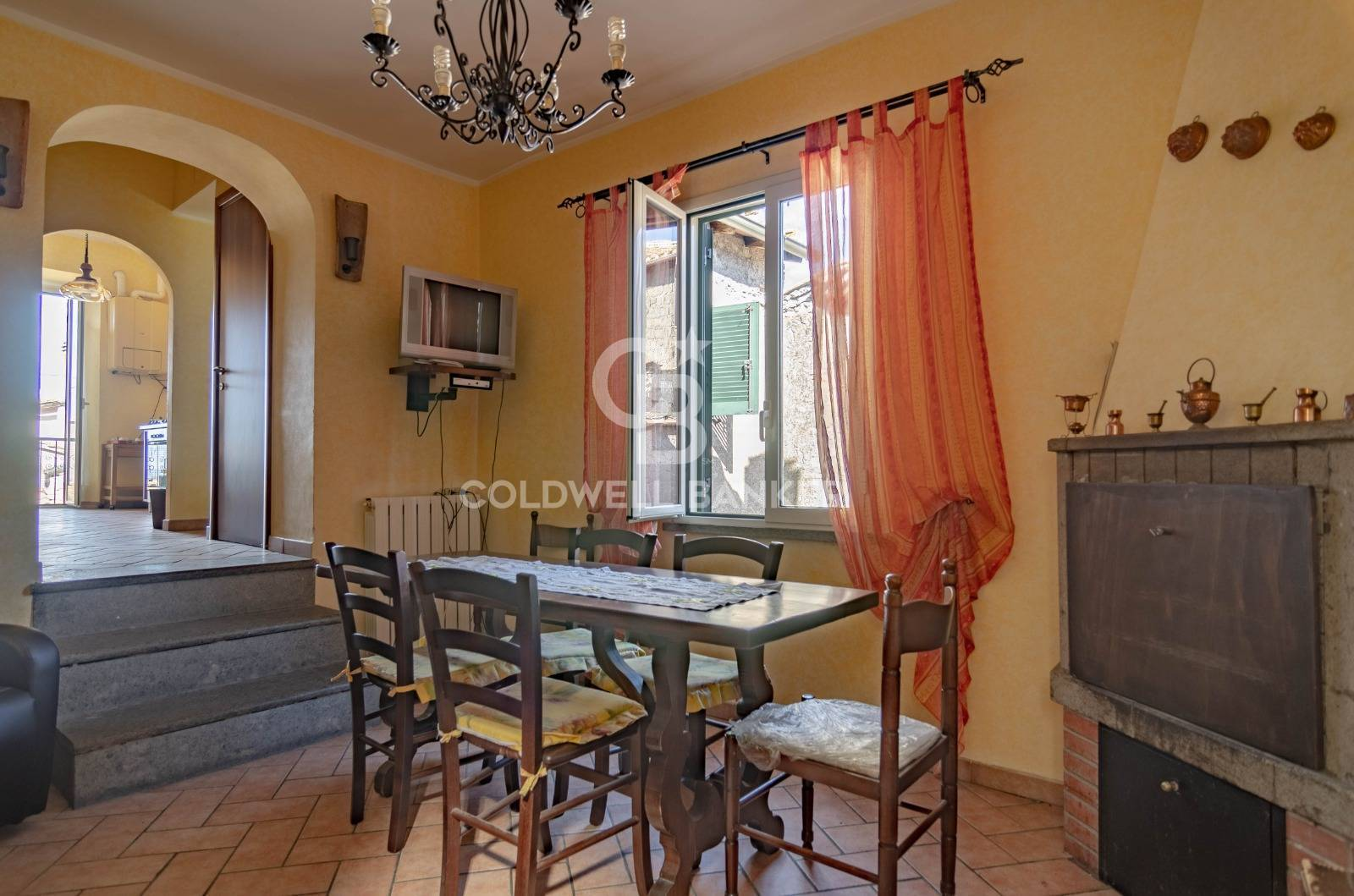 Appartamento, 90 Mq, Vendita - Viterbo (Viterbo)