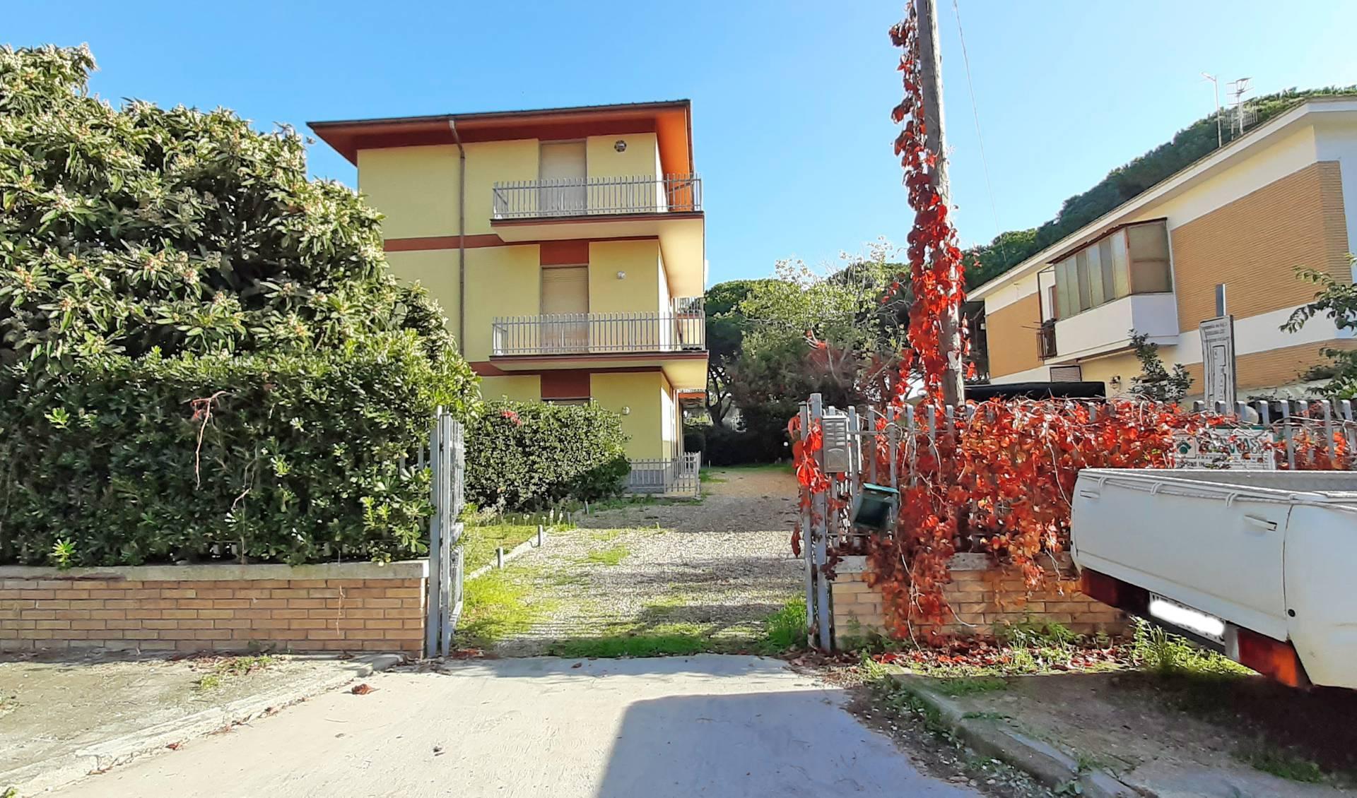 Appartamento in vendita a Tarquinia, 3 locali, zona Località: LidodiTarquinia, prezzo € 117.000 | CambioCasa.it