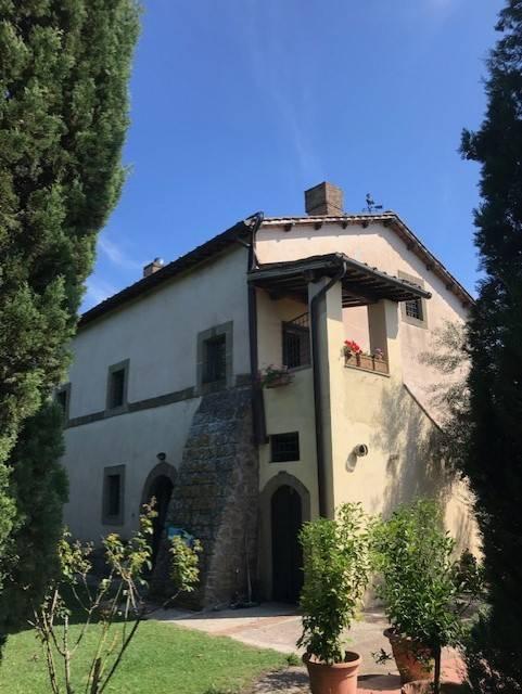 Villa in affitto a Capranica, 6 locali, prezzo € 1.000 | CambioCasa.it